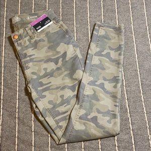 Womens Ana Jeggings Camouflage Sz. 2